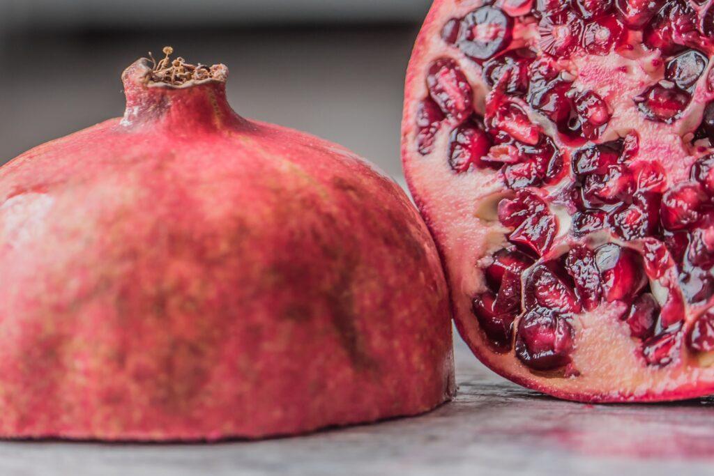 Extract van granaatappel helpt bij de behandeling van artritis en artrose; ondersteunt de hartspier, de bloedtoevoer en een normaal cholesterolniveau.